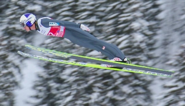 Stefan Kraft wygrał pierwsze w swoim dorobku zawody Pucharu Świata i prowadzi w klasyfikacji ogólnej Turnieju Czterech Skoczni