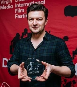 """Reżyser Bartosz Kruhlik odbiera nagrodę irlandzkich krytyków za najlepszy film festiwalu w Dublinie - """"Supernovę"""""""