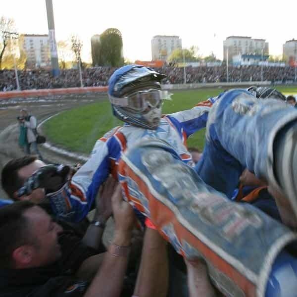 Sportowym wydarzeniem weekendu w regionie będzie mecz żużlowców Marmy Polskie Folie Rzeszów z liderująca w tabeli Unią Leszno (w niedzielę o 19).