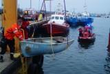 Wypadli z łodzi na Zatoce Puckiej, zgubili wiosła, później zmarznięci i przemoczeni dryfowali ku otwartemu morzu