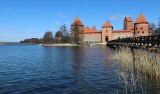 Na wakacje zabierz Europejską Kartę Ubezpieczenia Zdrowotnego i maseczkę. Oto nowe miejsca w Małopolsce, w których można otrzymać EKUZ!