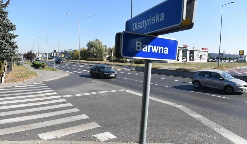 Choć Toruń nie uchodzi za jedno z bardziej zakorkowanych miast w Polsce, to jednak dość często możemy natknąć się na zator. Pytaliśmy Was niedawno, na których ulicach najczęściej stoicie w korkach. Zobaczcie, gdzie według Was Toruń jest najbardziej zakorkowanyZobacz też:Nie ma zgody na przebudowę al. Jana Pawła IITak się kończy złe parkowanie10 najszybszych samochodów świata