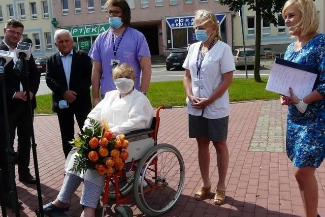 Izabela Szydło jest jedną z pacjentów Radomskiego Szpitala Specjalistycznego, której podano osocze ozdrowieńców. - To złoty lek - mówiła pani Izabela po zakończonej terapii.