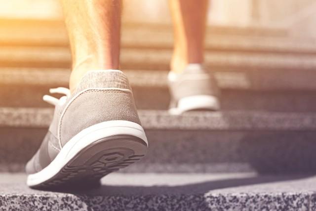 Osoby, które na 4. piętro wejdą w czasie krótszym niż 1,5 minuty są znacznie mniej narażone na choroby serca i układu krążenia!