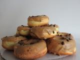 Pączki pieczone w piekarniku, bezglutenowe, bez cukru i laktozy. Zobacz gdzie możemy zjeść zdrowsze pączki (zdjęcia)