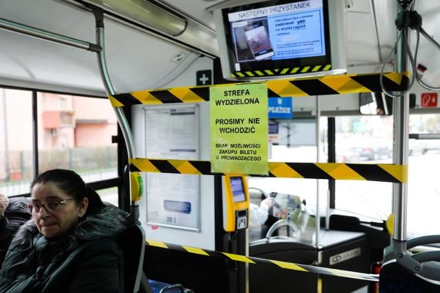 Po Krakowie będzie kursować mniej autobusów