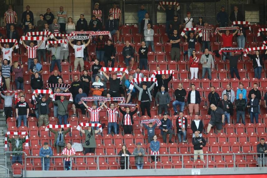 Bezbarwna Legia wypunktowana. O Puchar Polski zagra Cracovia