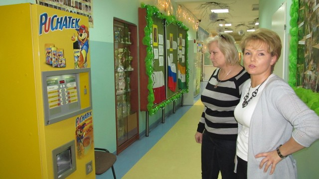 Dyrektor SP 27 Edyta Mataczyno postawiła automat z czekoladą z myślą o uczniach. Teraz ma zamiar każdą taką decyzję konsultować z rodzicami