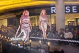 Pokaz mody w Galerii Rzeszów. Piękne modelki w kreacjach młodych projektantów z Zespołu Szkół Gospodarczych [ZDJĘCIA]