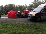 Witowice Górne. Śmiertelny wypadek na DK 75. Autobus zderzył się z osobówką, nie żyje dwóch męzczyzn, trójka dzieci poważnie ranna