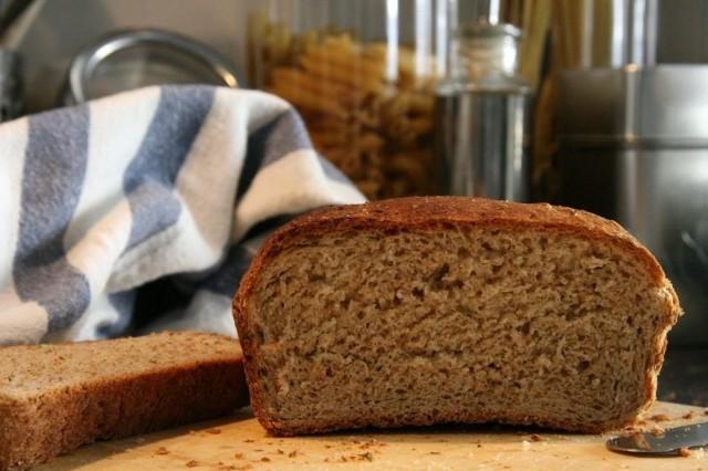 Co w sobie powinien mieć prawdziwy chleb?