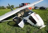 Wypadek awionetki w Piotrkowie Trybunalskim. Ranny instruktor i uczeń szkoły latania LOT [ZDJĘCIA]