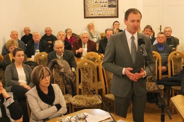 O konsultacje w sprawie tablic apelował także Norbert Rasch, szef TSKN w regionie, który pojawił się na sesji.