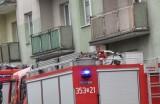 W Gliwicach w bloku ulatniał się gaz. Ewakuowano 60 osób