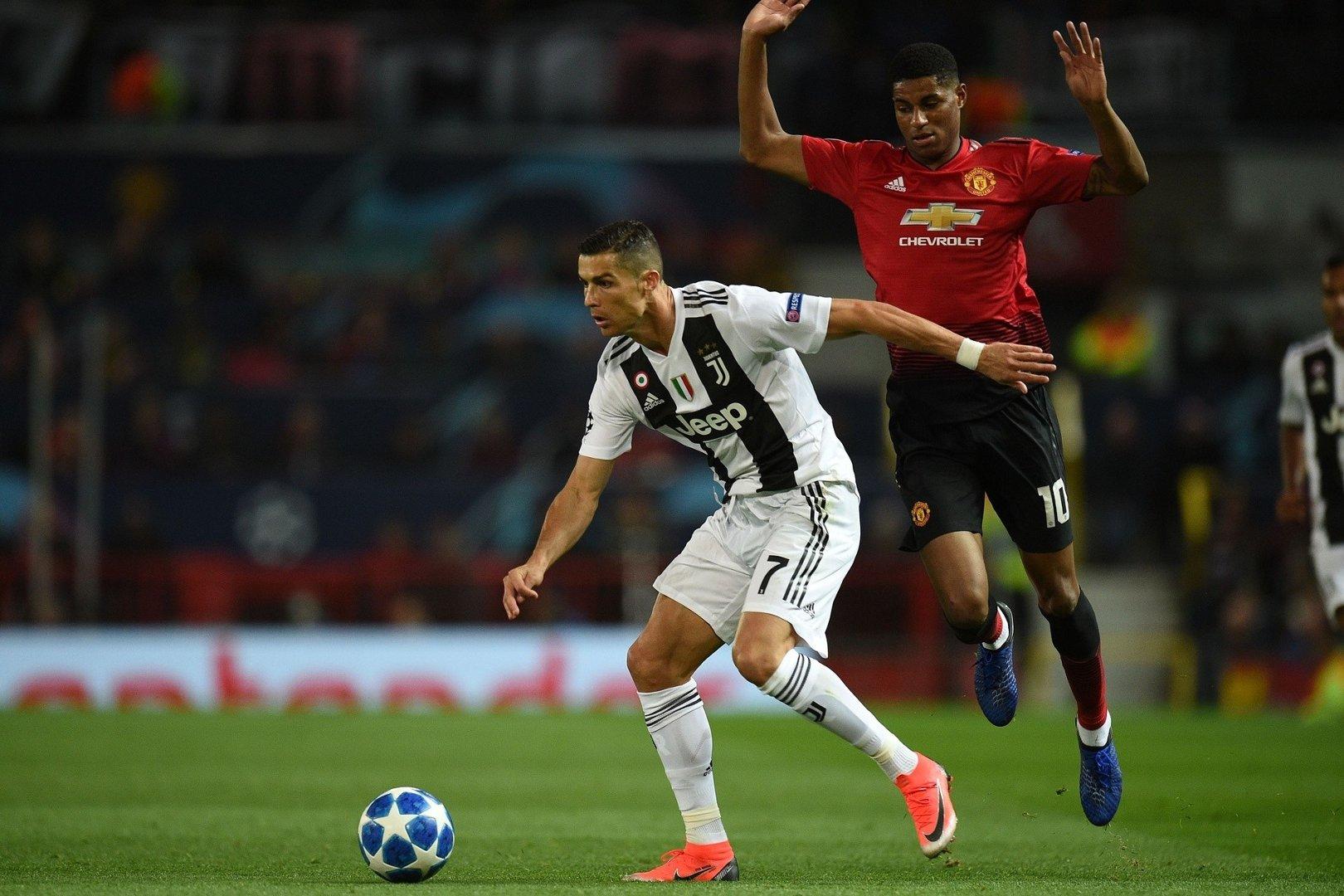 0a9d7a8ec Liga Mistrzów. Juventus zdobył Old Trafford. Ronaldo z asystą ...