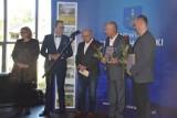 Żelazne Pierścienie - nagroda Starosty Starachowickiego za rok 2020 przyznane. Uroczystość z pięknym koncertem [ZDJĘCIA]