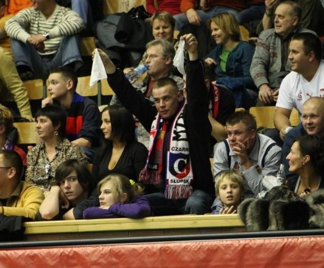W spotkaniu koszykarskich rozgrywek EuroChallenge, Czarni Slupsk przegrali w zenującym stylu z Cajasol Sewilla 53:83.