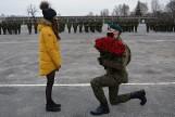Ale numer! Oświadczył się podczas przysięgi wojskowej w Sulechowie! Żołnierz i wybranka pochodzą ze Świebodzina