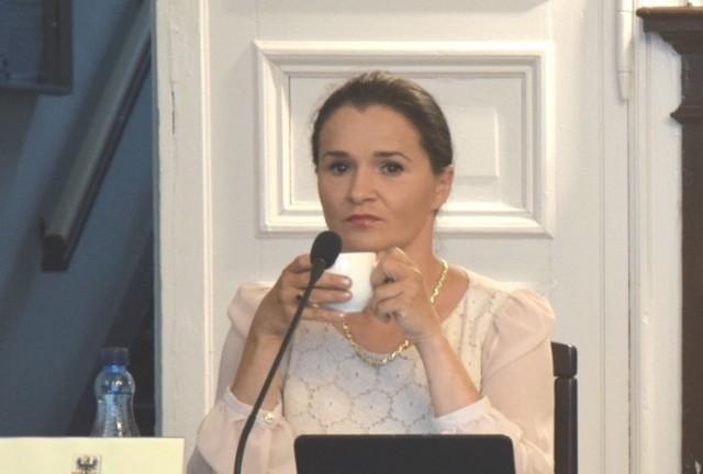 Radna Agnieszka Grzegorzewska bez maseczki na sesji Rady Powiatu. Jest wyrok sądu II instancji