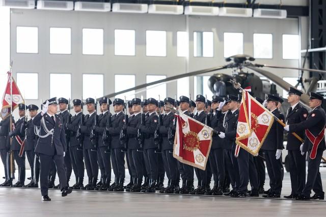 Na lotnisku w Latkowie odbyły się uroczystości z okazji święta 1 Brygady Lotnictwa Wojsk Lądowych, która w br. obchodzi jubileusz 10-lecia powstania