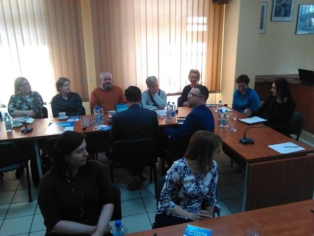 Spotkanie w sali sesyjnej Starostwa Powiatowego w Żninie