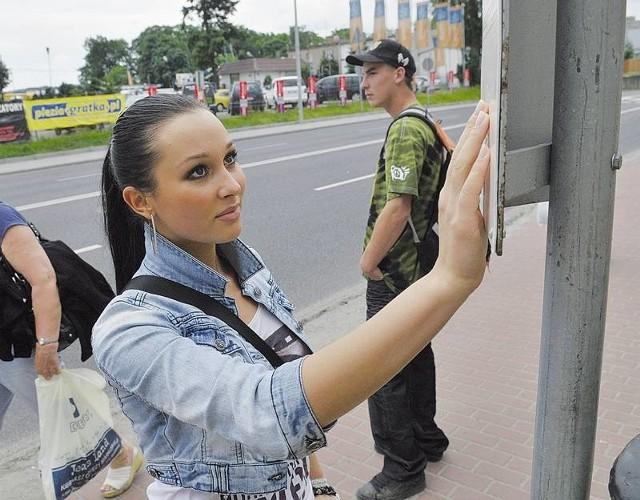 Olga Glebowska uważa, że przystanek autobusowy powinien wrócić na stare miejsce