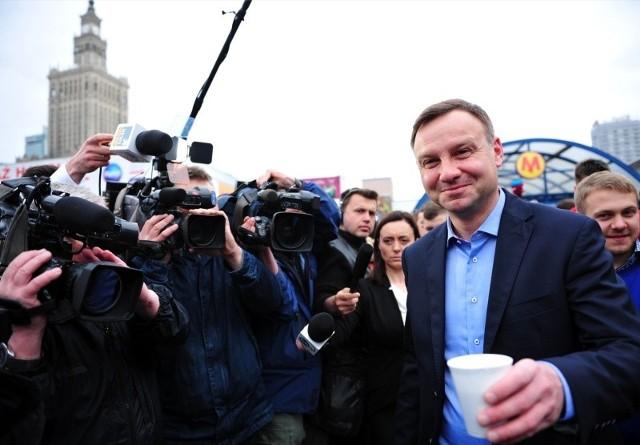 Andrzej Duda już 11 maja z rana rozpoczął kampanię wyborczą w centrum Warszawy