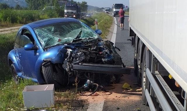 Po wypadku zablokowana jest obwodnica Wojnicza (DW 975)