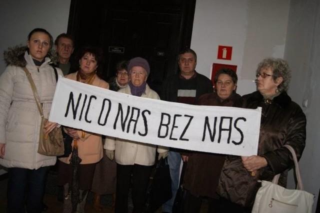 Sprawa sprzedaży przez GTBS kamienic przy Libelta i Żeromskiego w Grudziądzu wraz z lokatorami wyszła na jaw jesienią 2012 roku. Lokatorzy wnieśli sprawy do sądu o bezprawną sprzedaż. Sądy przyznały im rację.