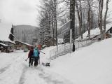 Wiosenny atak zimy w Zakopanem. W mieście spadło 10 cm śniegu, na Kasprowym Wierchu leży 160 cm śniegu