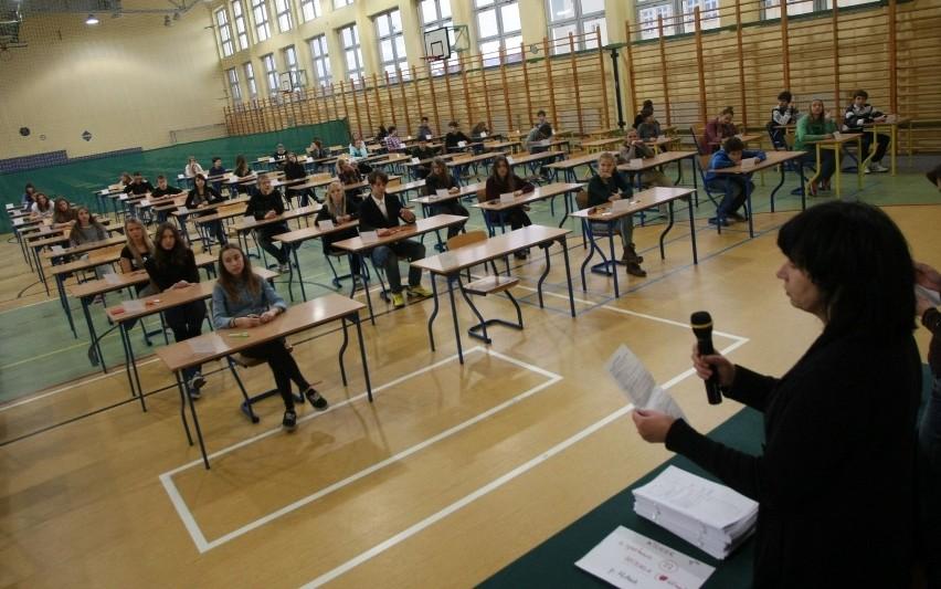 Egzamin gimnazjalny 2016. Matematyka - omawiamy zadania! [ARKUSZE, ODPOWIEDZI]