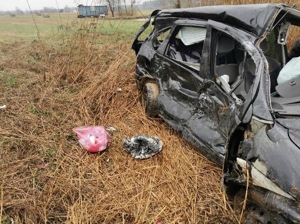 Na miejscu wypadku w Grabownicy w gminie Łopuszno.
