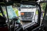 Wypadek z udziałem autobusu i ciężarówki pod Wrocławiem. Duże utrudnienia