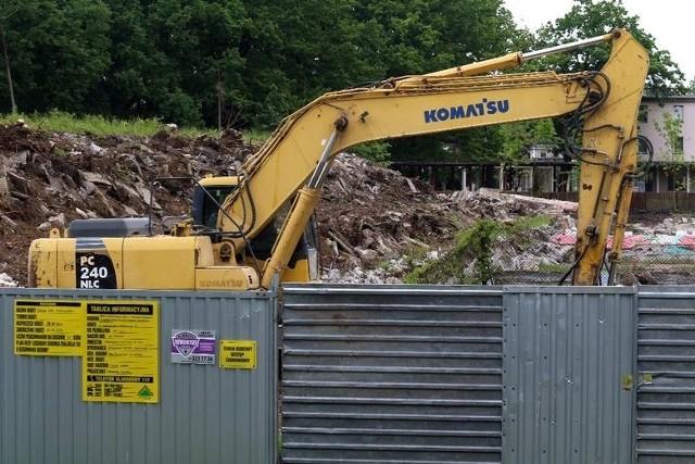 W sobotę, 29 maja, rozpoczęła się rozbiórka basenu przy Stadionie Olimpijskim