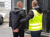 Gdańsk. Mieli zaatakować 16-latka, grozić mu nożem i ukraść jego telefon. Teraz grozi im kara do 12 lat więzienia