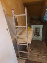 Sala do rehabilitacji, łazienki dla niepełnosprawnych, siłownia plenerowa - trwa modernizacja w integracyjnej SP 111