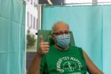 Prof. Robert Flisiak: Jeśli miesięcznie będzie szczepić się 1,5 mln osób, to do lata może być po pandemii