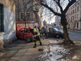 Wypadek na ul. Senatorskiej. Zderzyły się dwa samochody [zdjęcia, FILM]