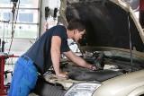 Serwisowanie samochodu poza ASO podczas gwarancji