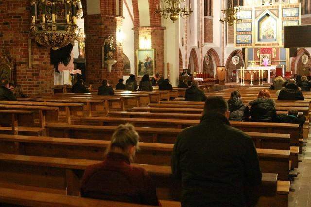 Noc Konfesjonałów w kościele Mariackim w Słupsku.