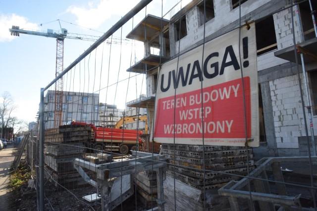 W regionie jeszcze latem mało który deweloper oferował zupełnie nowe mieszkania w stanie deweloperskim w cenie około 10 tys. zł/m kw. Teraz te stawki dochodzą do nawet 12 tysięcy za metr
