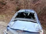 Wypadek w okolicach wsi Kurki. Dachowanie opla. Auto samo wróciło na koła! (zdjęcia)