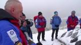 Wszystkich Świętych w górach. Ratownicy GOPR-u pamiętali o górskim cmentarzu [ZDJĘCIA, FILM]