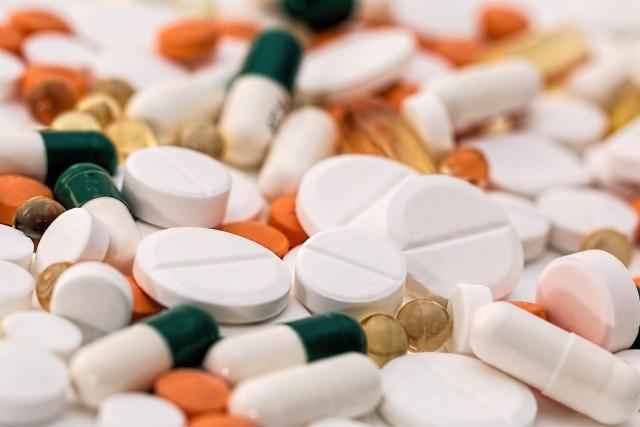 W ostatnich tygodniach Główny Inspektorat Farmaceutyczny wydał decyzje o wycofaniu serii leków. Po wydaniu takiej decyzji nie powinniśmy zażywać danych leków, najlepiej wymienić je w aptece. Należy jednak pamiętać, że z reguły wycofane zostały poszczególne serie, rzadko wszystkie partie. Zobaczcie, wycofane leki w ostatnich tygodniach.Szczegóły na kolejnych zdjęciach >>>