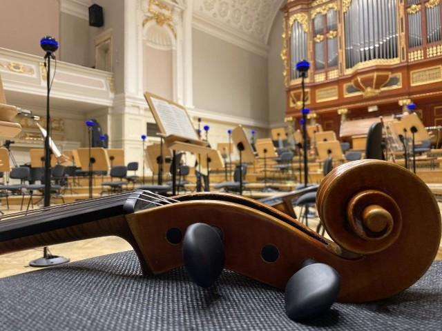 W ramach projektu z Filharmonią Poznańską, Zylia – firma skupiająca się głównie na rozwijaniu innowacyjnych technologii nagrywania dźwięku 3D – zaprezentowała unikalny koncert Orkiestry Filharmonii Poznańskiej pod dyrekcją Łukasza Borowicza i z udziałem 34 artystów, dostarczający odbiorcom wrażeń słuchowych, z jakimi audiofile do czynienia jeszcze nie mieli.