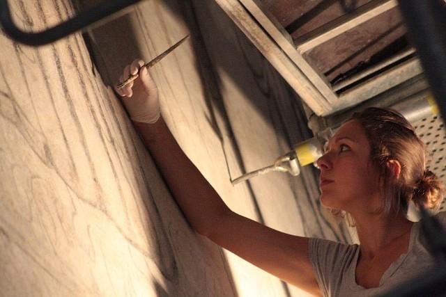 Konserwacją bezcennych fresków zajmuje się m.in. Katarzyna Głogowska z warszawskiej firmy Gorek Restauro.