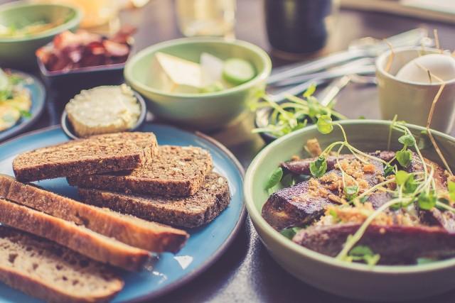 Gdzie zjeść niedrogi, a dobry domowy obiad w Łodzi? Takie pytanie zadaliśmy naszym Czytelnikom. Zobacz, które lokale polecają!KLIKNIJ DALEJ