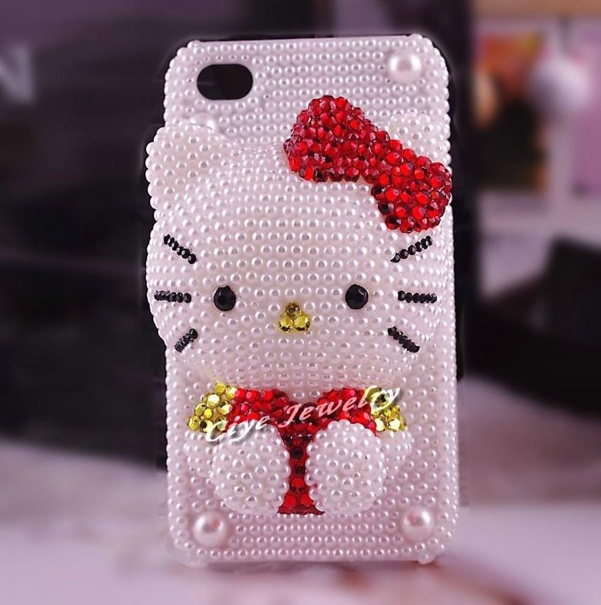 Hello Kitty jest wszędzie: na ubraniach, sprzętach,...