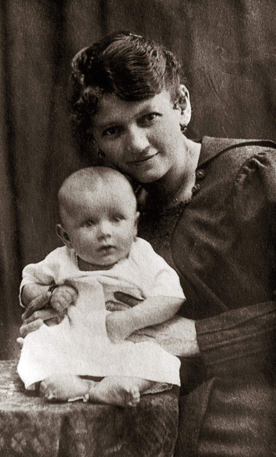 18 maja 1920 roku przyszedł na świat Karol Wojtyła, przyszły papież Jan Paweł II [archiwalne zdjęcia] | Dziennik Bałtycki