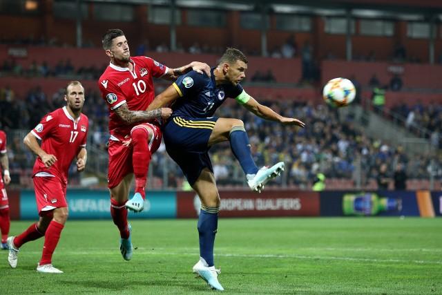 Reprezentacja Bośni i Hercegowiny wydaję się być najmocniejszym kandydatem do udziału w Euro 2020. Polacy, Hiszpanie i Szwedzi czekają na ostatniego przeciwnika w grupie E. Na zdjęciu Edin Dżeko, lider Bośniaków.